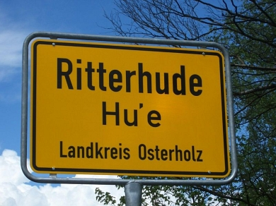Signpost with the Additional Lower German Name